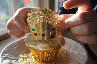 Crowncakes11