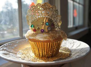 Crowncakes1