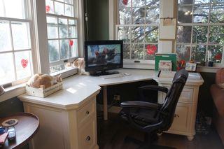 Deskdetails13
