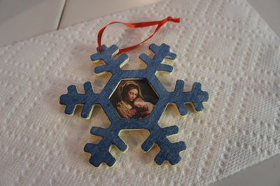 Advent joy ornament 2
