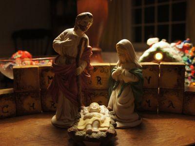 Advent peace holy family