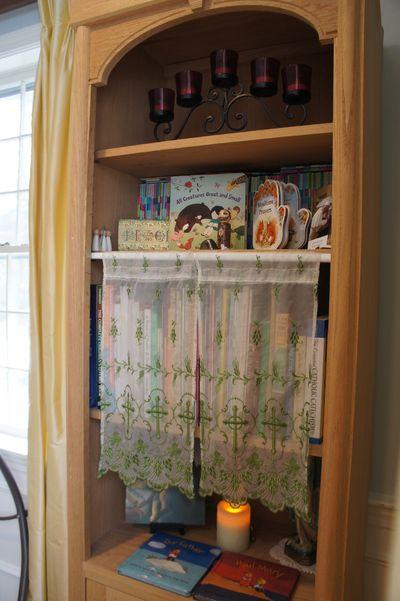 Lit shelf 11