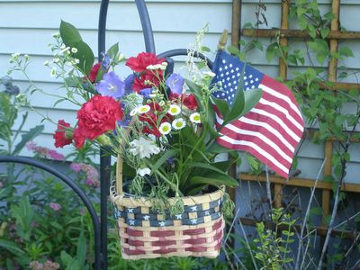 4th of july flower basket