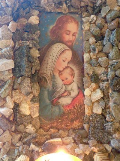 Advent grotto 16