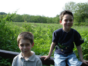 Boys_at_trail