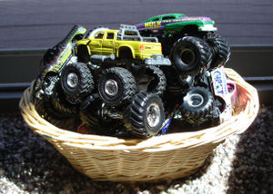Monster_trucks_basket_1