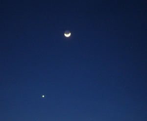 Moon_and_venus2